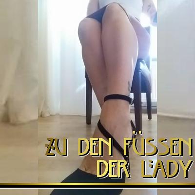 Zu den Füßen der Lady - erotische Hypnose, sexy Hypnose, Hypnoseherrin, Hypnose Domina